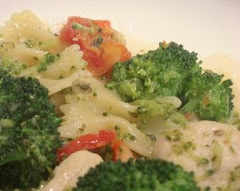 Farfalle with Chicken, Broccoli, Sun Dried Tomatoes