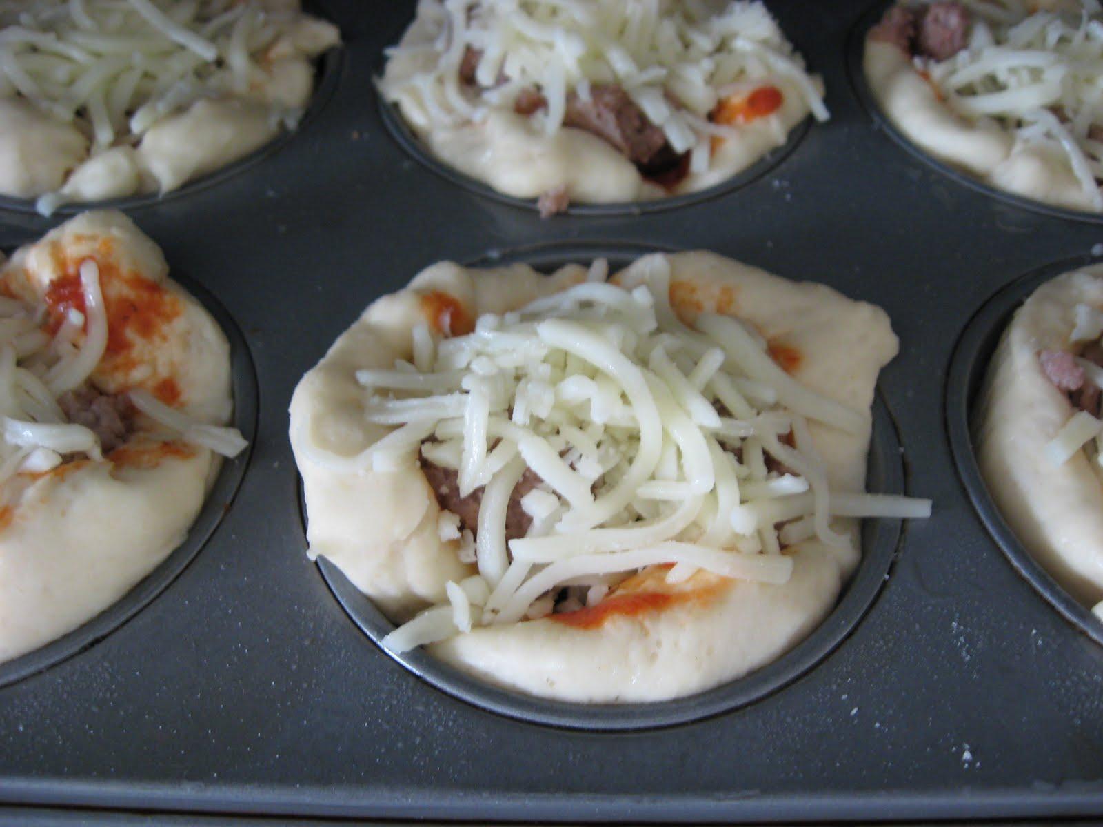 Tammy's Times: ~Mini Deep-Dish Pizzas~