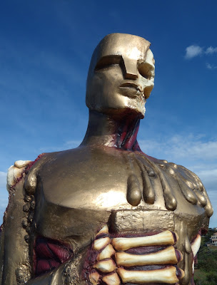 Gory Oscar statue DFACE