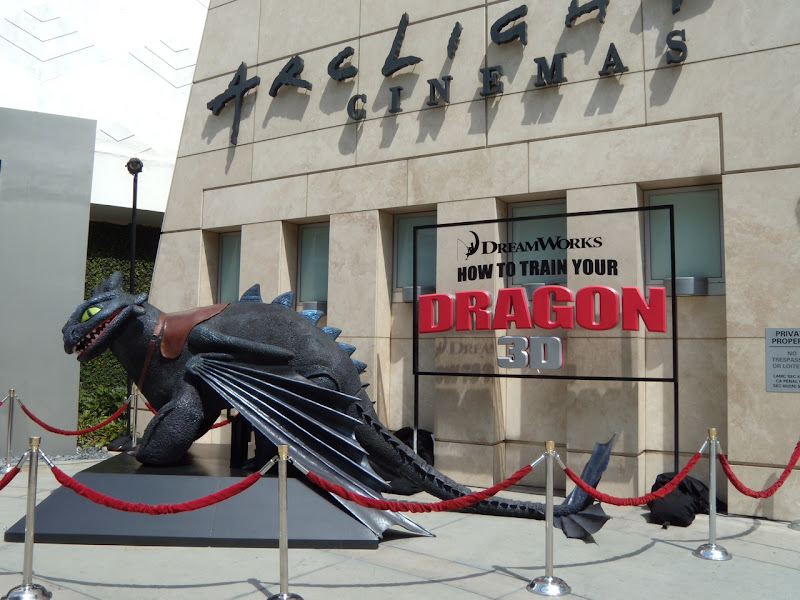 How to train your Dragon Toothless display