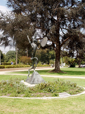 Beverly Gardens Park bronze sculpture - The Drummer by Barry Flanagan