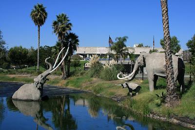 La Brea Lake Tar Pit Mammoths