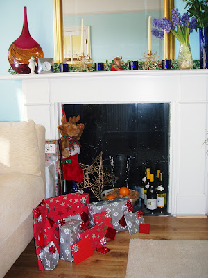 Christmas fireplace presents 2005