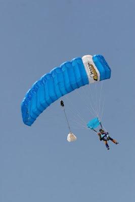 Tandem skydive - in the air