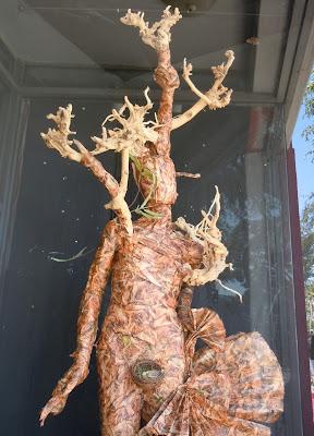Eiotown tree dress mannequin
