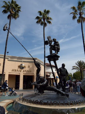 Universal Studios Hollywood entrance statues