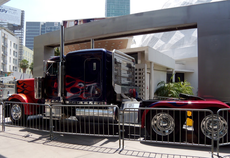 Autobot leader Optimus Prime truck side view