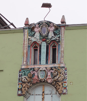 Ornate building angels on Melrose Avenue