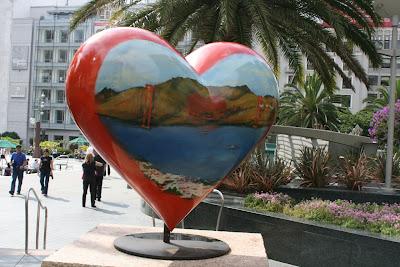 Tony Bennett's Hearts of San Francisco sculpture