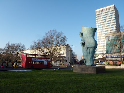 Horse Head statue by Nic Fiddian-Green