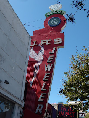 JR's Jewelers angel sign