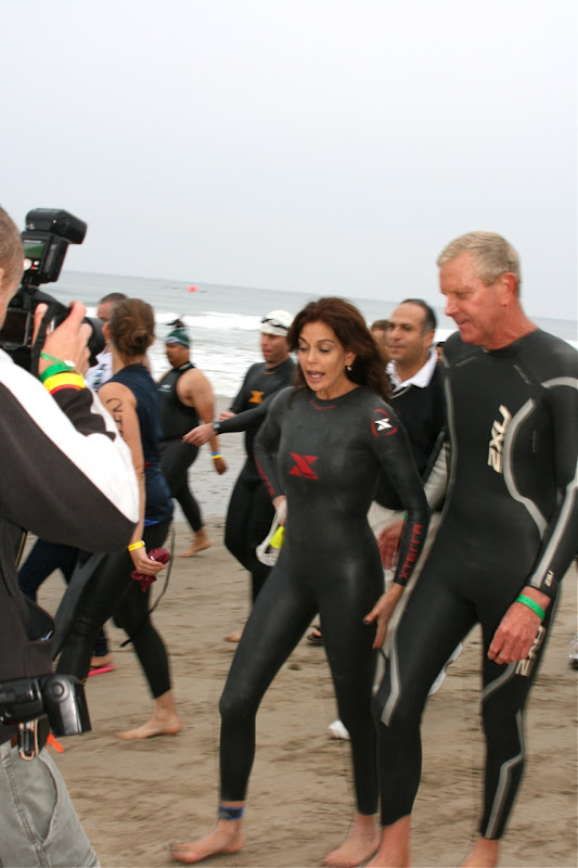 Teri Hatcher wetsuit Malibu 2010