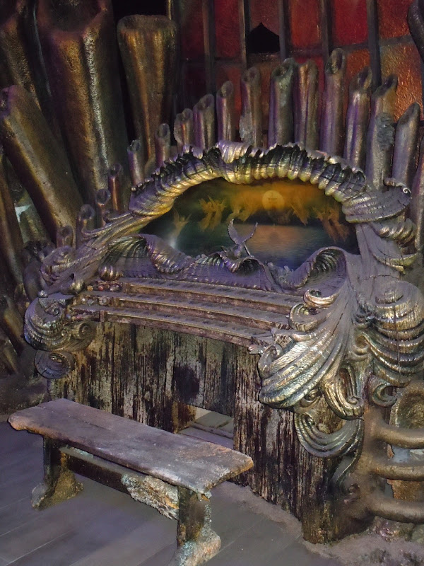 Pirates of the Caribbean Davy Jones' Organ prop