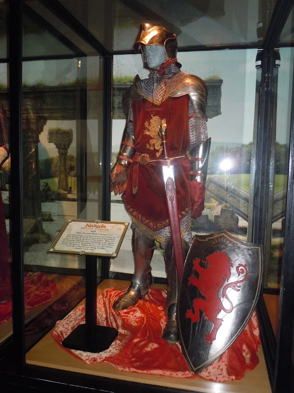 Narnia Peter battle armour and shield