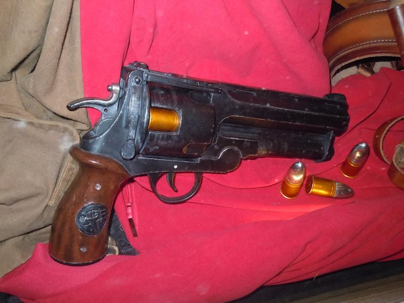 Hellboy II gun prop