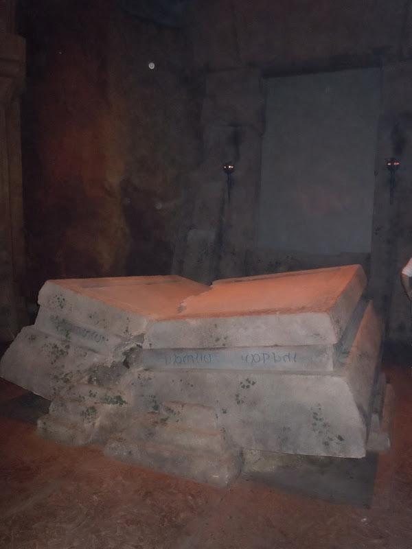 Prince Caspian Lord Aslan stone table chamber set