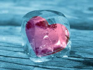 http://4.bp.blogspot.com/_GJ9PcDZKW6g/SVbIyOvTWZI/AAAAAAAAADM/xGqF_d-P8pk/s400/frozen+heart.jpg
