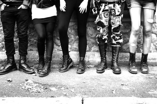 [legs+tumblr_kuvg1pdbhH1qat3o4o1_500.jpg]