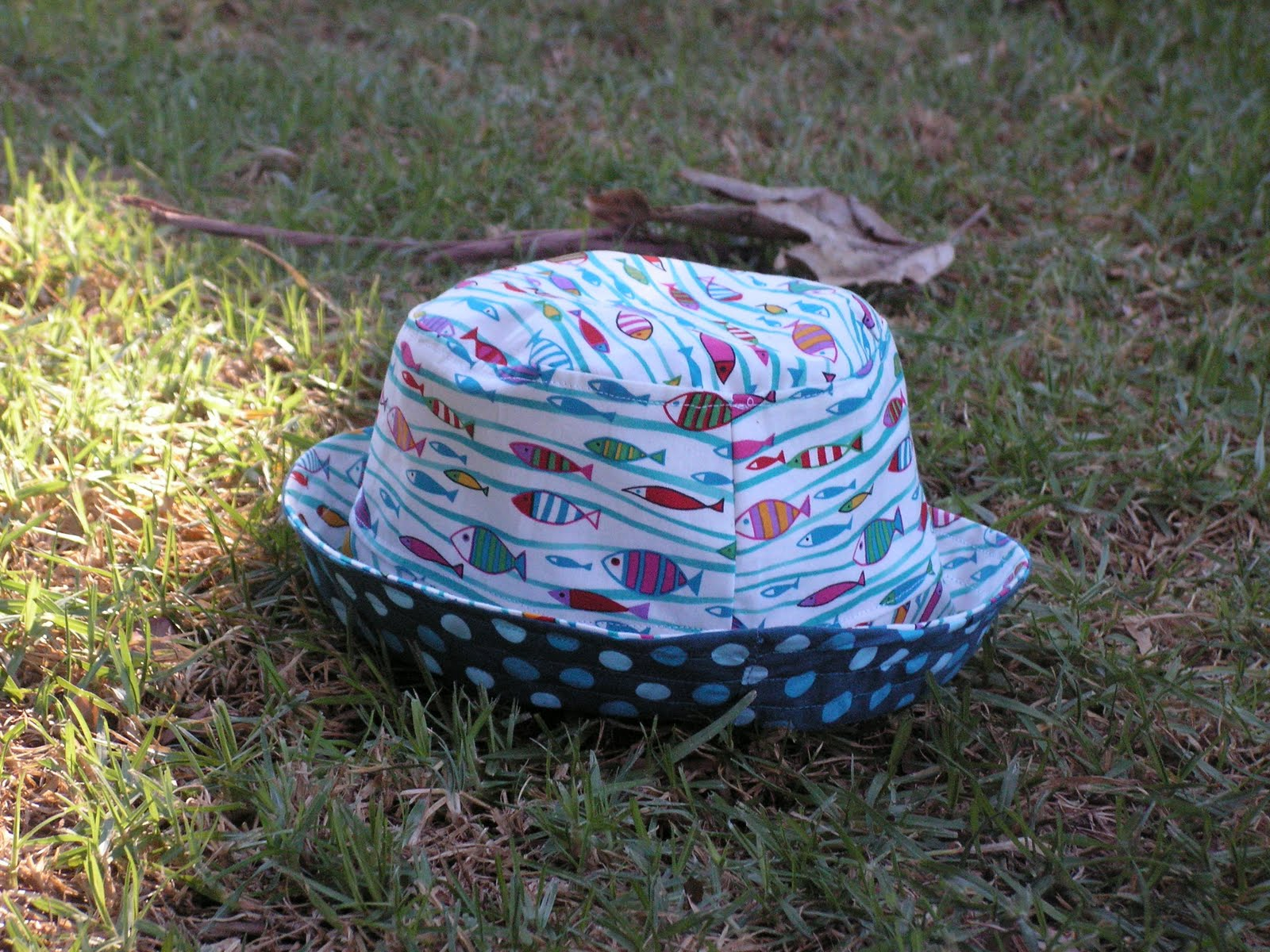 [fish+hat]