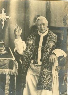 http://4.bp.blogspot.com/_GK9vk5xxaSs/Sp_0aggENFI/AAAAAAAAEBo/ygjM_2CmBzY/s400/Pope+St.+Pius+X+(6).jpg