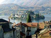 Lake Orta - photo by Batrace (Creative Commons licence)