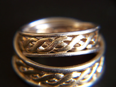 Wedding rings by Firemedic58 - creative commons license, some rights reserved