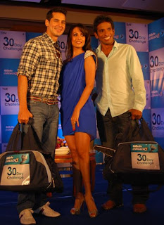 Dino Morea, Malaika Arora Khan and Sportsman Ritwik Bhattacharya at the Gillette Mach3 30day challenge Press Conference in Mumbai