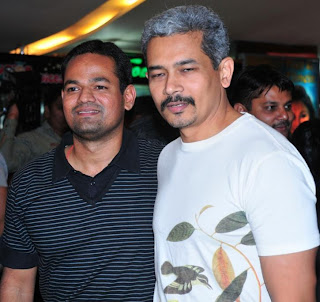 Uttpatang director Srikanth with Atul Kulkarni at the premiere