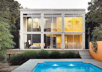 Modern summer house by Roger Hirsch Architect