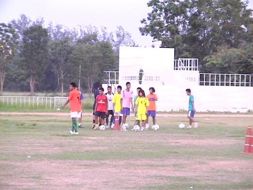 ภาพบรรยาการการฝึกซ้อมของทีมสโมสรฟุตบอลจังหวัดสุรินทร์