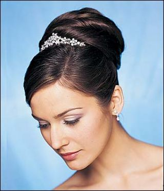 [indian-bridal-hairstyle-5.jpg]