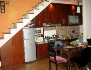 Dapur di bawah tangga | Desain Rumah