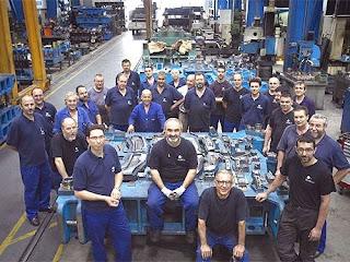 Trabajadores en un taller