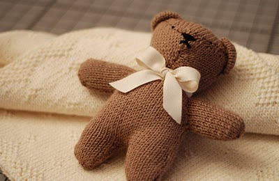 Knitting Pattern For All In One Teddy Bear : Bumble Bee Knits: Baby Blanket & Teddy Bear