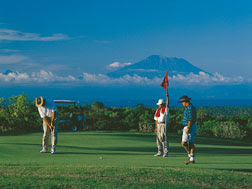 adventure, Bali, golf, holiday in bali, green holiday, play golf in Tanah lot,
