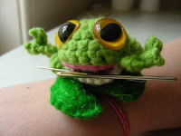 Frog Pattern Costume | Beso - Beso | Shopping Ideas and Style