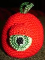 Free crochet tomato amigurumi pattern
