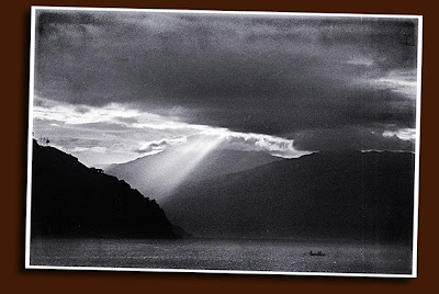 fishing boat and crepuscular rays, puerto galera