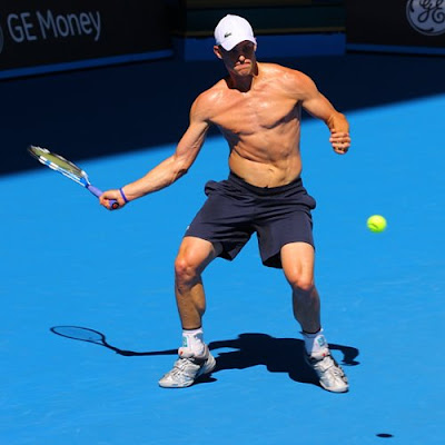 andy roddick shirtless. Labels: Andy Roddick