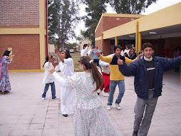 Bailando Folklore