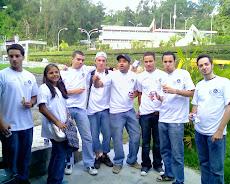 Estudiantes de la Universidad Nueva Esparta colaboran con el camino de Santiago