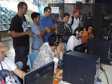 Los participantes de estos eventos aprovechan la ocasión para aprender de los otros usuarios