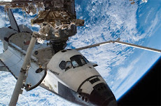 Transbordador espacial Endeavour sobre un Huracán