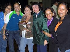 Reinscripciones en la UNE para agosto 2009 y cumpleaños de Evelyn Lum