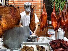 Además podrá comprar víveres frescos en el mercado y desayunar los Dimsam de sus restaurantes