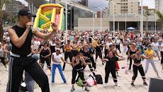 La Pdta. de La Junta Parroquial invita a cuidar tu salud con BAILOTERAPIA todos los sábados