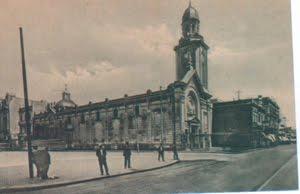 San Nicolás de Bari, antes de 1936. En la actualidad alli se encuentra el Obelisco
