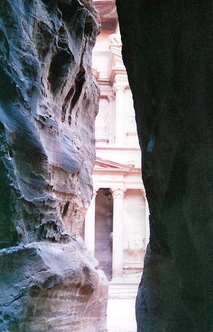 Al final del Siq aparece el tesoro de Petra