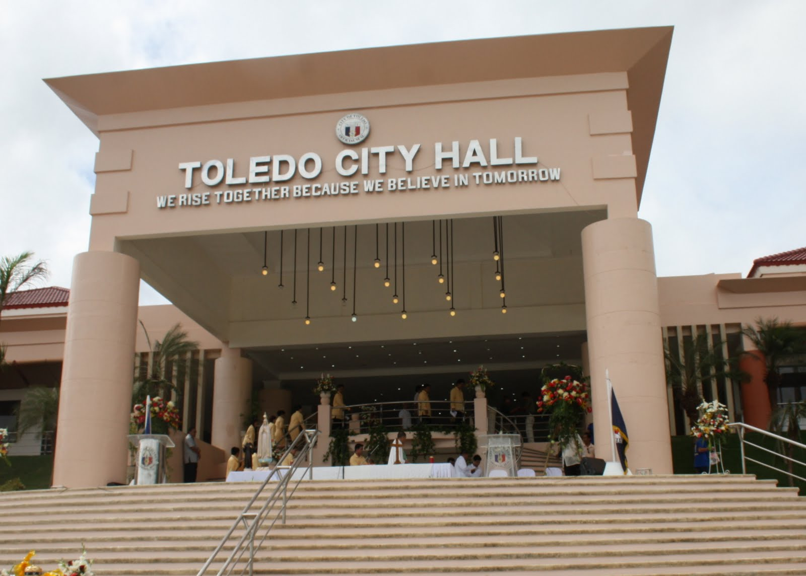 lucille b. tomarong: Inauguration of Toledo Garden City Hall