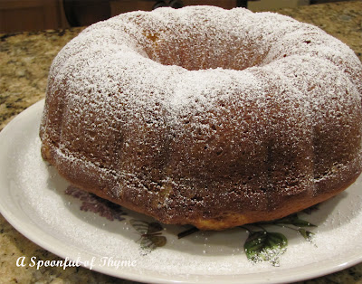 Spoonful of Thyme: Cardamom Vanilla Pound Cake